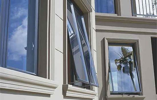 Алюминиевые окна в экстерьере здания