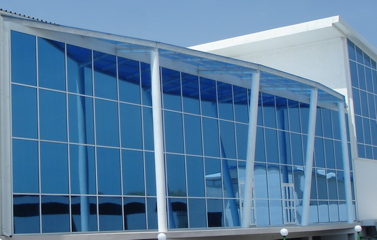 Архитектурная тонировка стекол здания