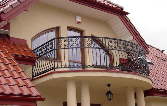 Балкон в частном доме. Особенности конструкции