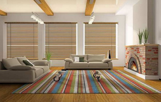 Бамбуковые жалюзи в светлой комнате