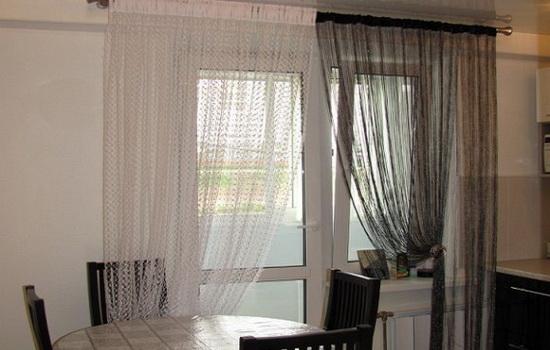 Черно-белые нитевидные шторы