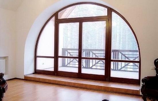 Деревянные окна, имеющие нестандартную форму