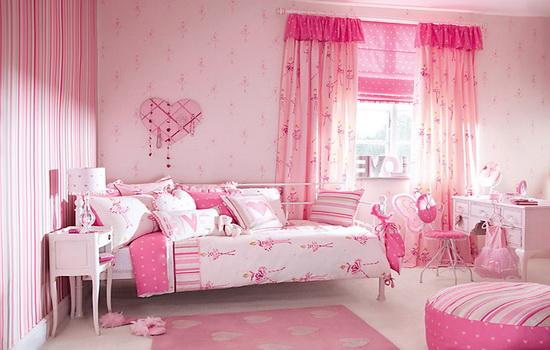 Детская комната для подростка девочки в розовом цвете