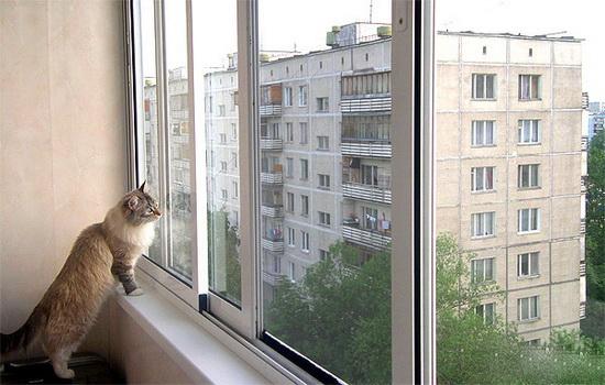 Преимущества холодного остекления балконов