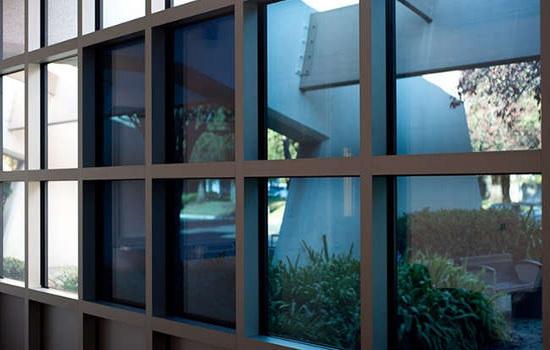 Электрохромное умное смарт-стекло. Область применения