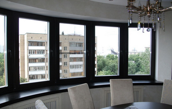Евроокна в квартире, оснащенные закаленными стеклопакетами