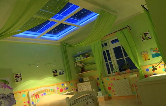 Фальш-окно на потолке детской комнаты