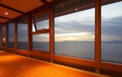 Качественные деревянные окна со стеклопакетами. Критерии выбора