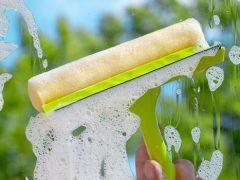 Как помыть окно без разводов