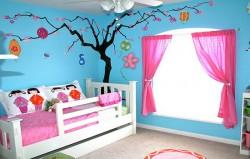 Как выбрать окно в детскую комнату