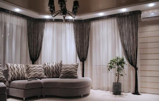 Какого цвета подобрать шторы в дом