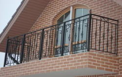 Кованые ограждения балконов. История, стили, фото