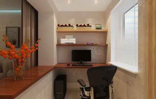 Красивый кабинет на балконе