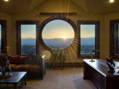 Круглые окна. Описание деревянных и пластиковых круглых окон. Фото и цены