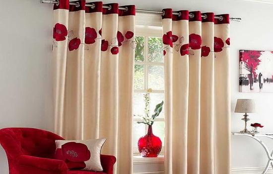 Как оформить окно шторами