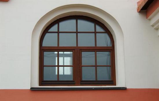 Окна из дерева махагони