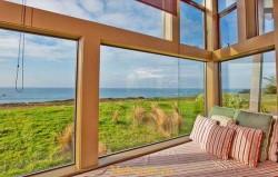 Окна в загородный дом. Какие лучше выбрать?