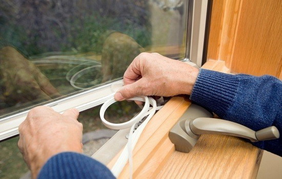 Как утеплить окно
