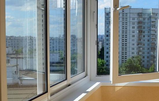 Особенности остекление балкона и лоджии пластиком