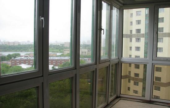 Остекление балкона для евроремонта