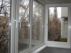 Остекление и отделка балкона «хрущевки». Основные этапы и применяемые материалы