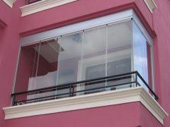 Финское безрамное остекление балкона