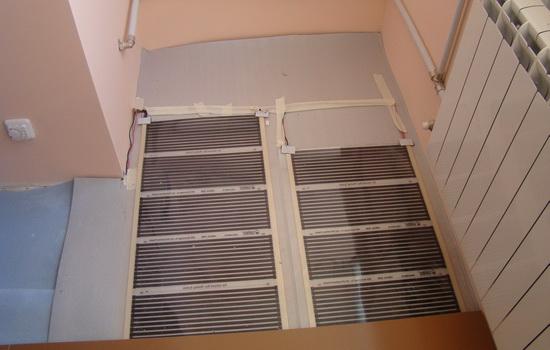 Пленочный инфракрасный пол на балконе. Фото
