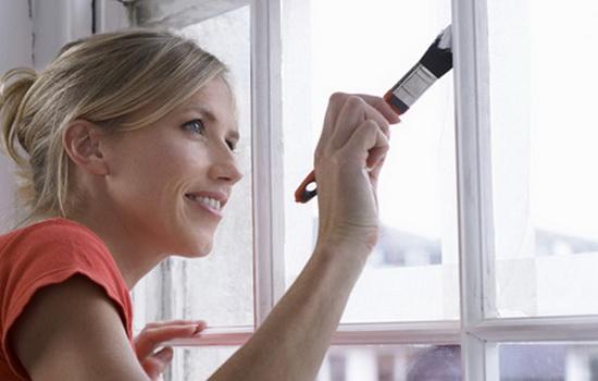 Как красить деревянные оконные рамы