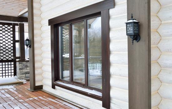 Как правильно установить пластиковое окно в брусовый дом?