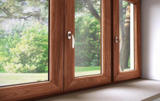Правильный уход за деревянными окнами со стеклопакетом