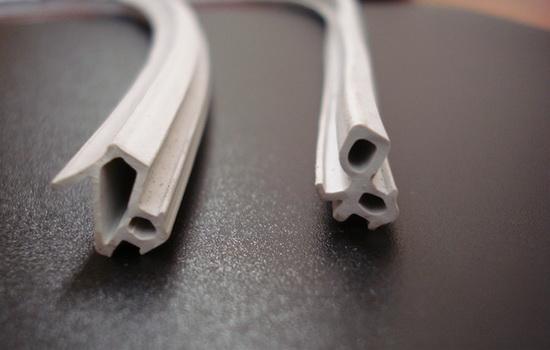 Плюсы уплотнителя из силикона