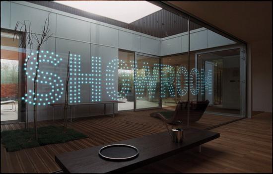 Пример светодиодного стекла Glassiled