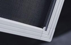 Рамочные москитные сетки на окно — универсальный выбор для дома
