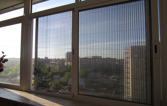 Раздвижная москитная сетка на окно