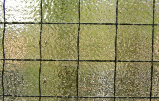 Рифленое армированное стекло