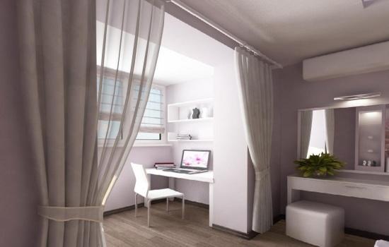 Спальня в светлых тонах на балконе