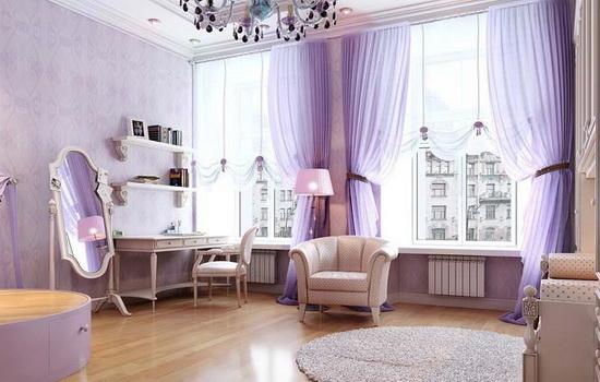 Светло-фиолетовые шторы в гостиной
