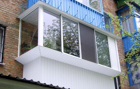 Как внешне отделать балкон