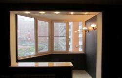 Выбираем вариант остекления балкона