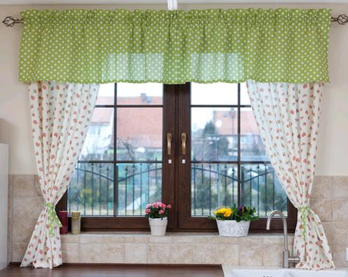 Занавески на кухонном окне