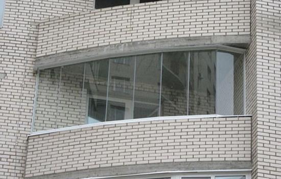 "slovo_""balkon""_proisxodit_"