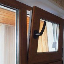 Деревянные стеклопакеты с форточкой. Преимущества и недостатки конструкции